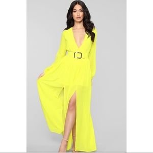 NWT 💛 Bright Yellow Belted Maxi Dress